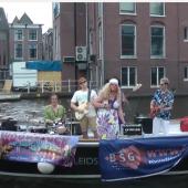 popband-woodstock op het water